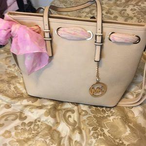 Handbags - Beautiful cream shoulder bag with pink ribbon